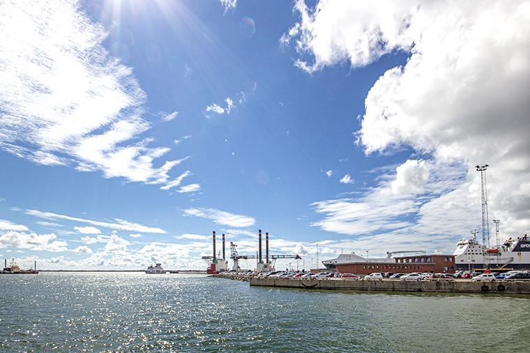 Esbjerg Hafen mit Fanø Fähre