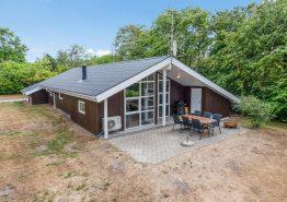 Dejligt sol- og sommerhus med sauna og spa i Jegum. Kat. nr.:  20111, Sydskrænten 19;