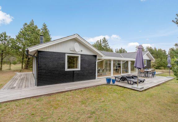 Schönes Ferienhaus mit Wintergarten und kleiner Aktivitätsraum