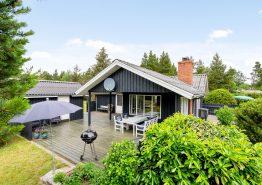 Gemütliches Ferienhaus mit Kaminofen auf idyllischem Waldgrundstück. Kat. nr.:  30024, Engvejen 31