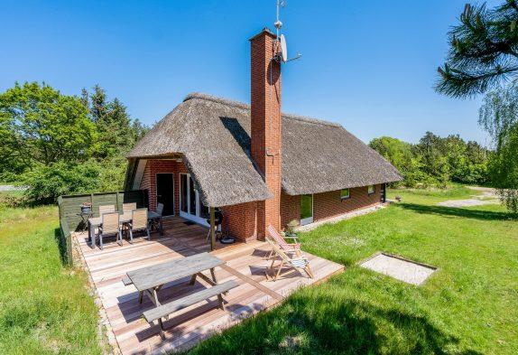 Reetgedecktes mit Sauna auf grossem Naturgrundstück