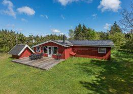 Schönes Sommerhaus mit Sauna und Whirlpool in idyllischer Lage. Kat. nr.:  30125, Rohdesvej 10