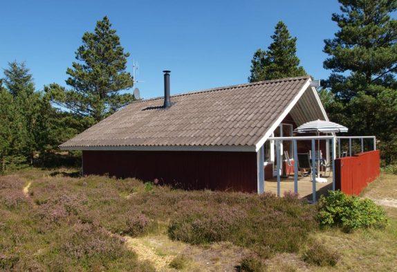 Beschauliches Holzhaus mit geschlossener Terrasse