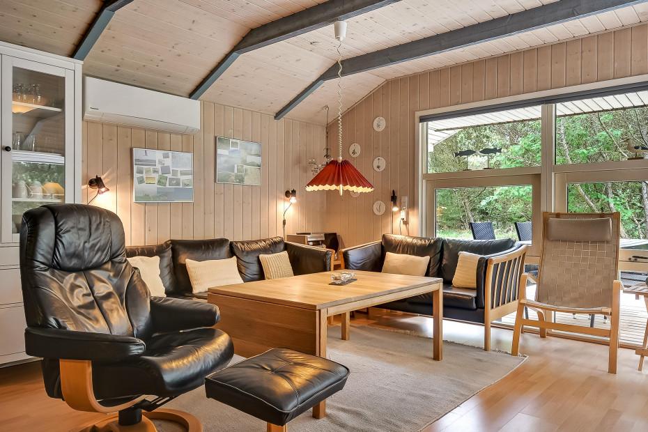 sommerhausurlaub mit sauna und whirlpool in toller umgebung esmark. Black Bedroom Furniture Sets. Home Design Ideas