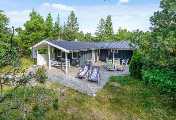 Geräumiges Holzhaus in Naturbelassener Umgebung