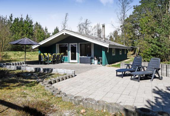 Renoviertes Ferienhaus mitten im Grünen mit Kamin, 1 Hund