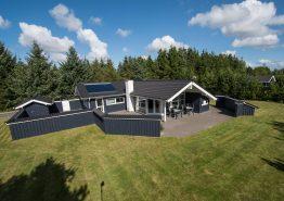 Sehr modernes Nichtraucherhaus mit Whirlpool und Sauna. Kat. nr.:  30501, Søndervang 129;