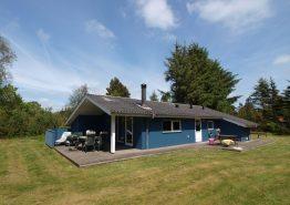 Gemütliches Sommerhaus auf geschütztem Rasengrundstück. Kat. nr.:  30532, Hedevang 56;