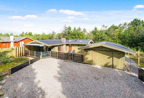 Klassisches Ferienhaus auf Naturgrundstück in Houstrup