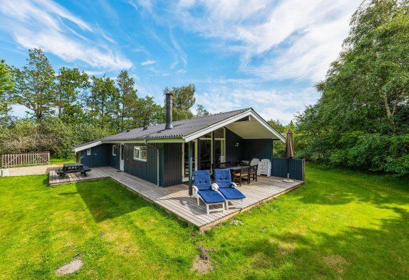 Sehr freundliches Ferienhaus mit Sauna, Kaminofen und Internet