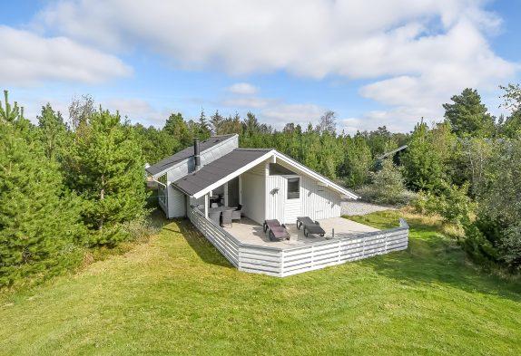 Gemütliches Holzhaus mit Kamin und Whirlpool