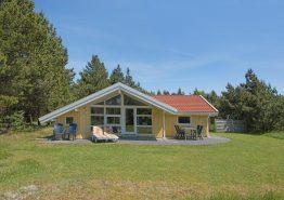 Skønt feriehus med brændeovn i det idylliske Houstrup. Kat. nr.:  30605, Hedevang 32;