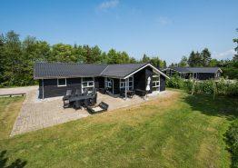 Lækkert og godt beliggende luksushus med spa, sauna og stort aktivitetsrum