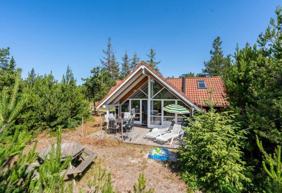 Schönes Holzferienhaus mit Sauna und Whirlpool und schöner Lage
