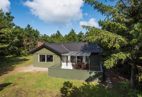 Schönes Holzferienhaus mit Whirlpool und Sauna in schöner Lage