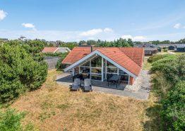 Centralt beliggende 4 stjernet feriehus med spa og sauna. Kat. nr.:  40808, Rylevej 13;
