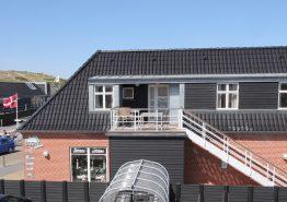 Ferielejlighed med sauna og spabad i hjertet af Henne Strand. Kat. nr.:  40897, Strandvejen 456 A;