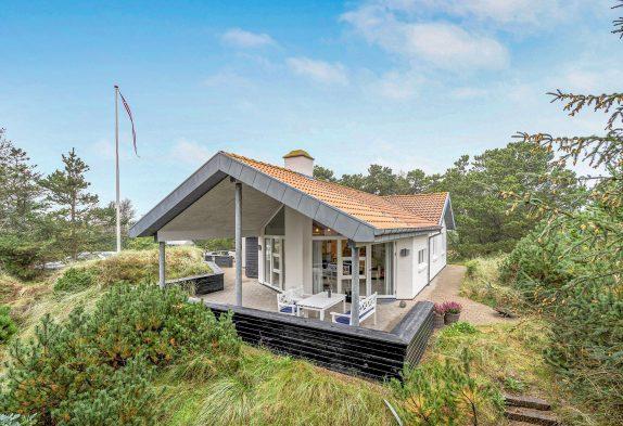 Schönes Ferienhaus mit Wellness-Oase auf Naturgrundstück