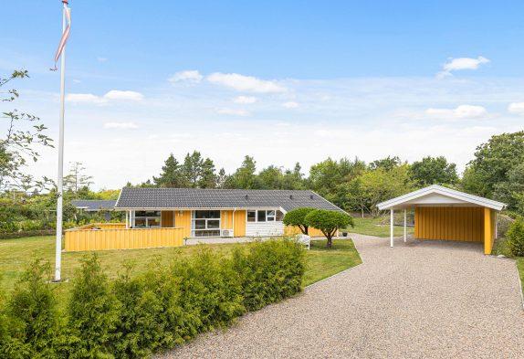Tolles Ferienhaus in Henne Strand mit Wellnessbereich und Kaminofen