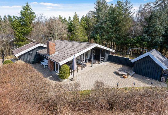 Gemütliches Ferienhaus mit Sauna und geschlossener Terrasse