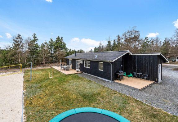 Gemütliches, renoviertes Sommerhaus mit Sauna und Whirlpool
