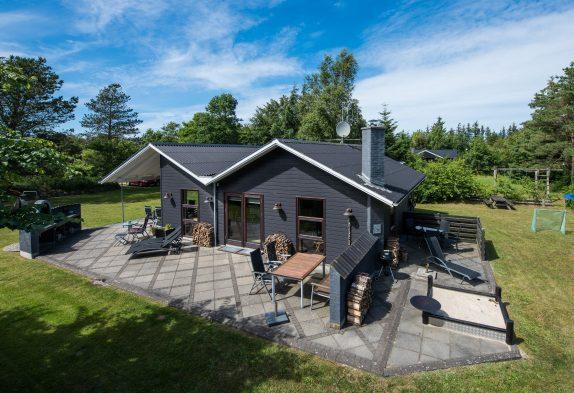 Charmantes Sommerhaus mit Whirlpool und Sauna
