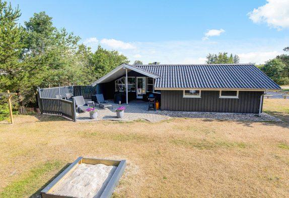 Charmantes Ferienhaus mit Sauna und Whirlpool in schöner Natur