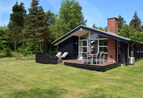 Tolles Ferienhaus in Henneby mit Sauna und Whirlpool