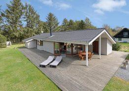 Hyggeligt feriehus til 6 personer med sauna og lækkert udeareal. Kat. nr.:  50006, Gulspurvevej 4;
