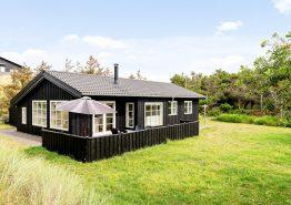 Skønt stemningsfuldt feriehus med god beliggenhed (billede 1)