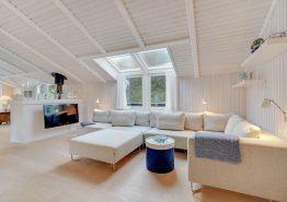 Lækkert feriehus med sauna, udendørs spabad og 500m til stranden (billede 3)