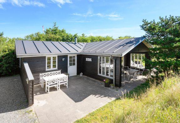 Charmantes Sommerhaus in Vejers mit überdachter Terrasse