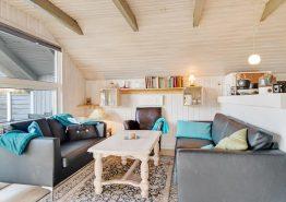 Uriges Holzhaus mit Kamin nur 150 Meter vom Meer entfernt (Bild 3)