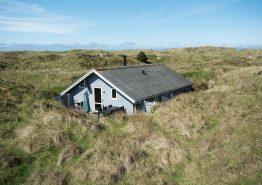 Uriges Holzhaus mit Kamin nur 150 Meter vom Meer entfernt (Bild 1)