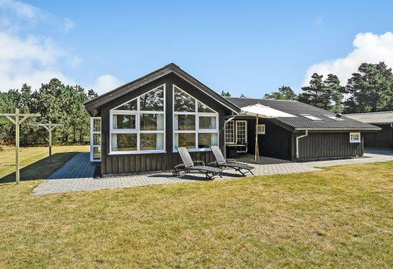 Geschmackvolles Holzhaus mit Sauna und Whirlpool