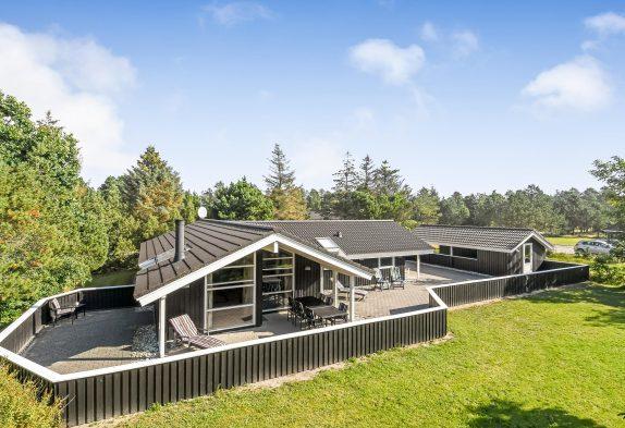 Familienfreundliches Holzhaus mit Whirlpool und Sauna