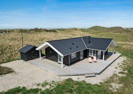 Lækkert og lyst feriehus med herlig strandnær beliggenhed. Kat. nr.:  52034, Blåbærvej 19;