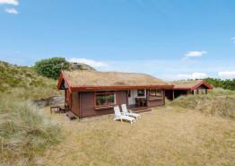 Klassisches Ferienhaus in ungestörter strandnaher Lage. Kat. nr.:  52037, Blåbærvej 20, Grærup Strand;