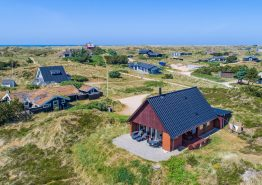 Lyst og personligt indrettet feriehus kun 400m fra havet. Kat. nr.:  52042, Grærup Havvej 5;