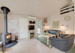 Schönes Ferienhaus in ruhiger Lage mit Pavillon (Bild 3)