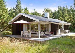 Gemütliches Sommerhaus mit Kaminofen in idyllischer Lage