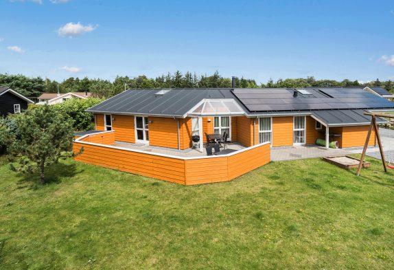 Sommerhaus mit grossem Aktivitätsraum in fantastischer Lage