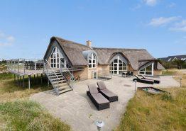 Extravagantes Poolhaus in Blåvand  in strandnaher Lage (Bild 1)
