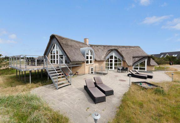 Lækkert poolhus i Blåvand kun 200 meter fra Vesterhavet