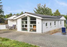 Stort feriehus med sauna og spa i hjertet af Blåvand. Kat. nr.:  60031, Horns Bjerge 8;
