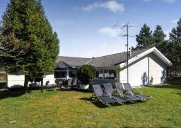 Poolhaus in geschützter Lage, Sauna und Whirlpool, 2 Hunde erlaubt. Kat. nr.:  60063, Solsiden 48;