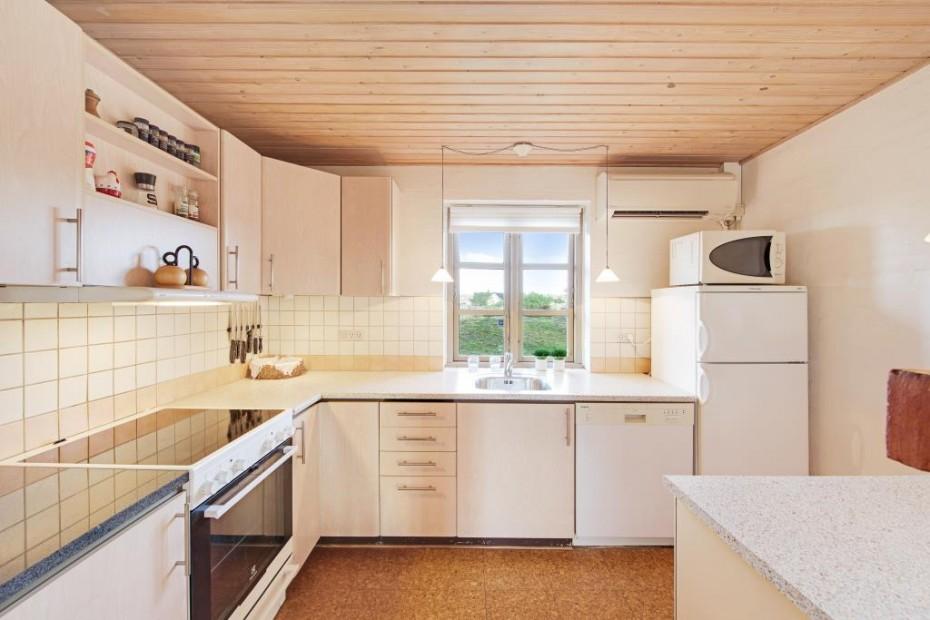 Bilder von bädern  Modernes Ferienhaus mit Reetdach, 2 Bädern und Blick zum ...