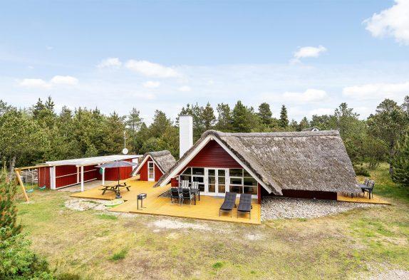 Idyllisch gelegenes Haus mit großem Grundstück, Kaminofen und gratis Internet