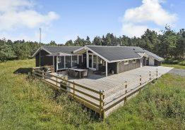 Feriehus til 8 personer med sauna, spabad og swimmingpool