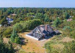 Schönes Familienhaus auf tellem Grundstück (Bild 1)
